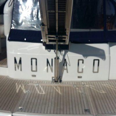 Буквы из нержавеющей стали на яхтах